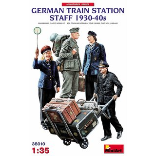 1:35 Mini Art German Train Station Staff 1930-40s